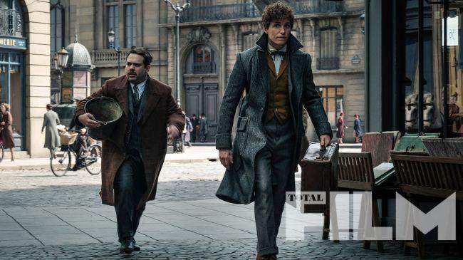 Imagem inédita de Animais Fantásticos mostra Newt e Jacob em Paris