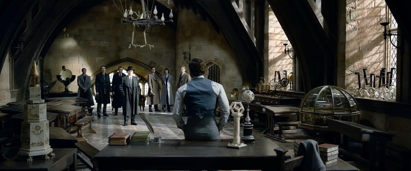 Dumbledore em uma sala em Hogwarts