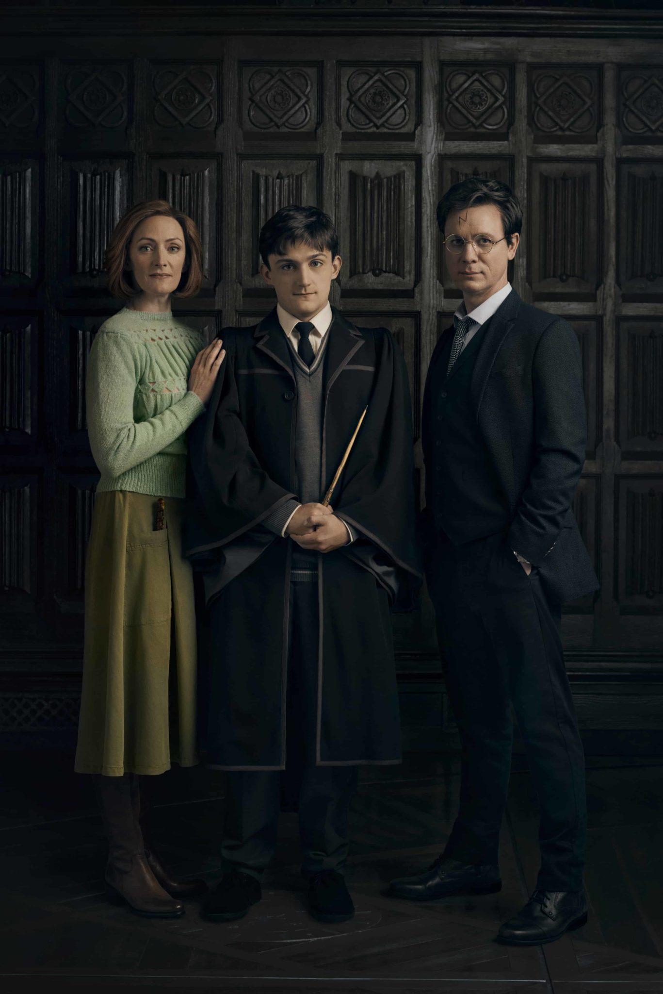 Gina (Susie Trayling), Alvo Severo (Joe Idris-Roberts) e Harry Potter (Jamie Ballard) em Cursed Child